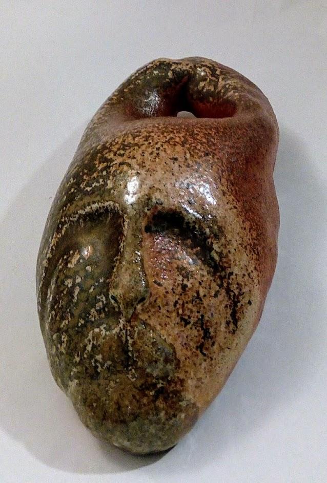 Skulptur 35 cm x 40 cm Vedeldat, salt engobe med askpåslag.